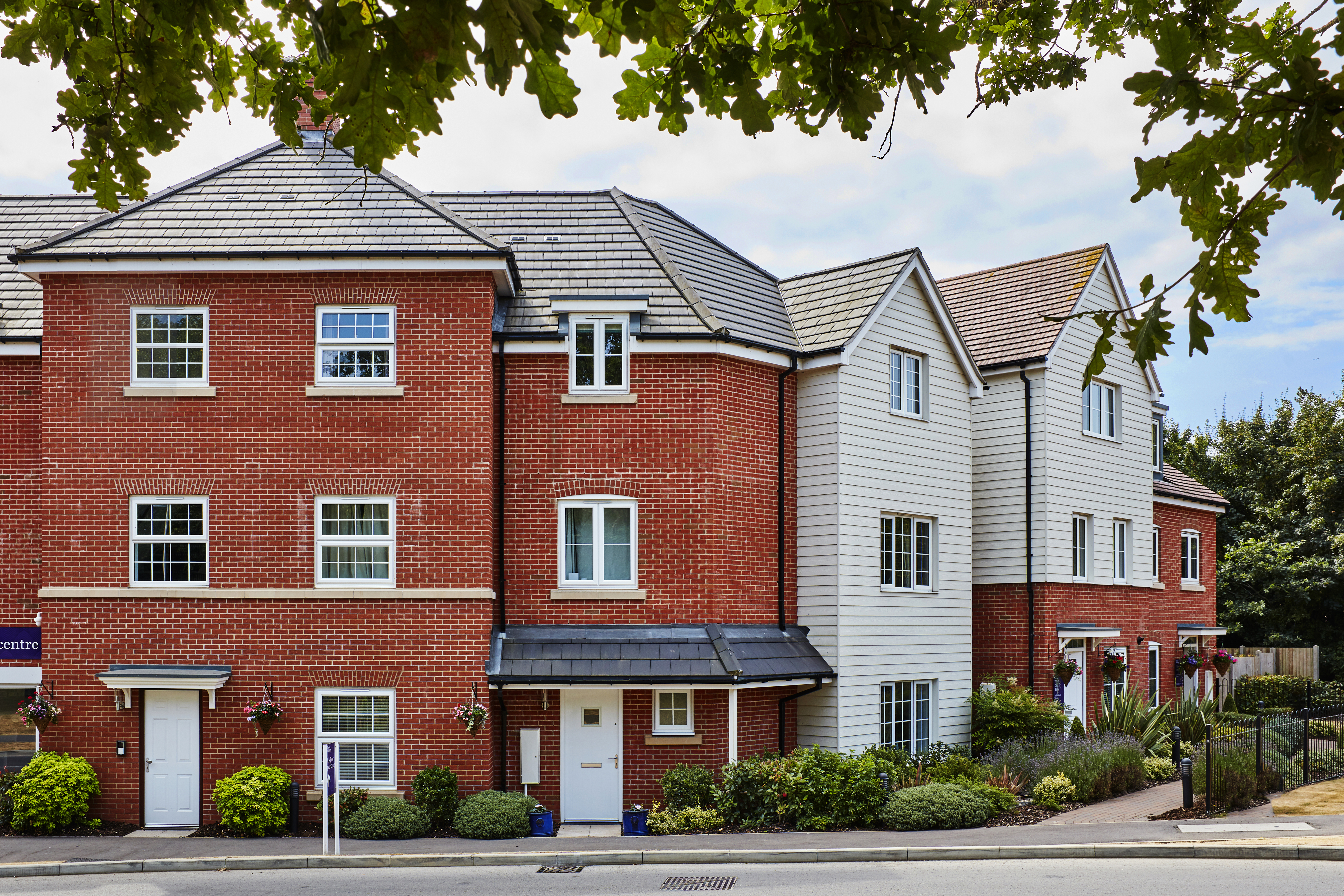 TW WL Sanford Place at Loddon Park Woodley show apartments